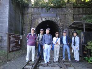 大日影トンネル遊歩道入口。レンガ造りの、まさに近代化遺産です