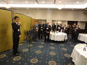 総会に新たに参加した会員や現役の大学生が自己紹介